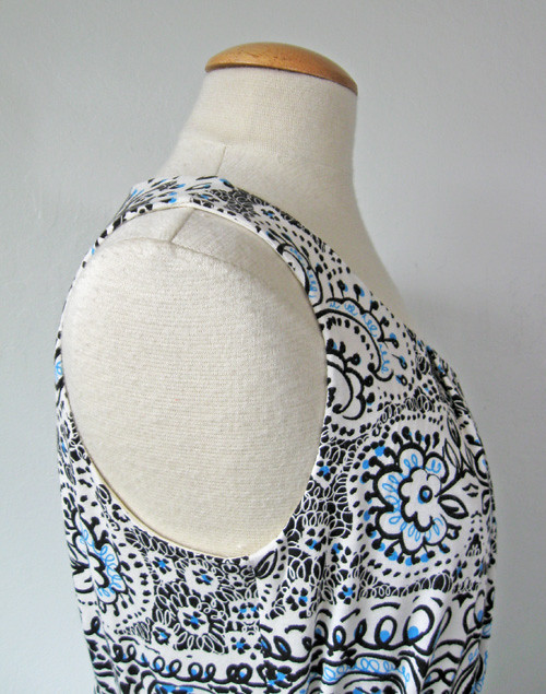 V1236 side view armhole