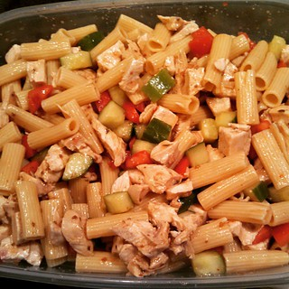 Racing season and lunch is ready! #chicken  #pastasalad #yumo #foodstagram #IWannaEatItNow