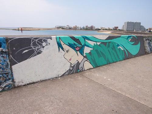 北谷町美浜の初音ミクのウォールアート