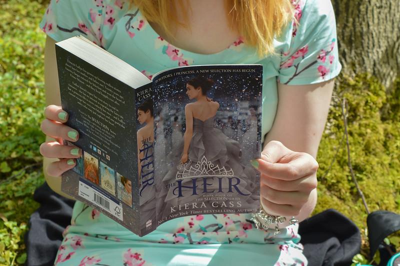 Reading The Heir by Kiera Cass