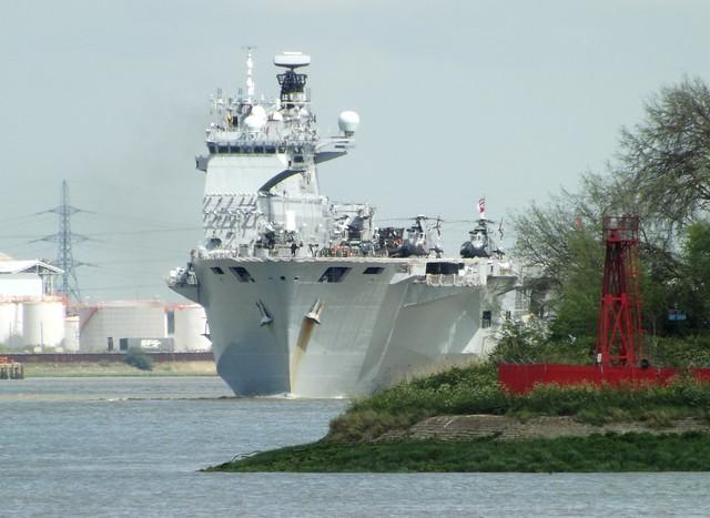 HMS Ocean L12 (2) @ Gallions Reach 07-08-15