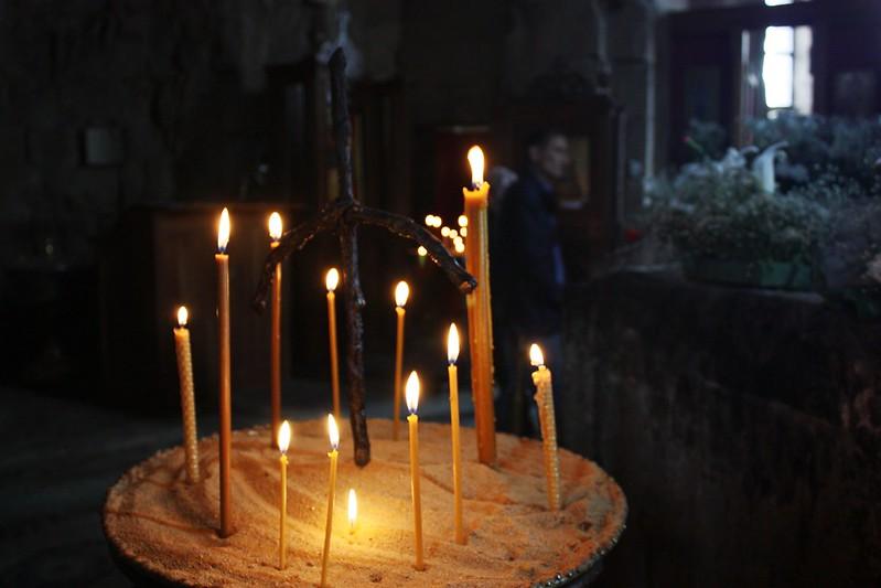 Джвари, в храме