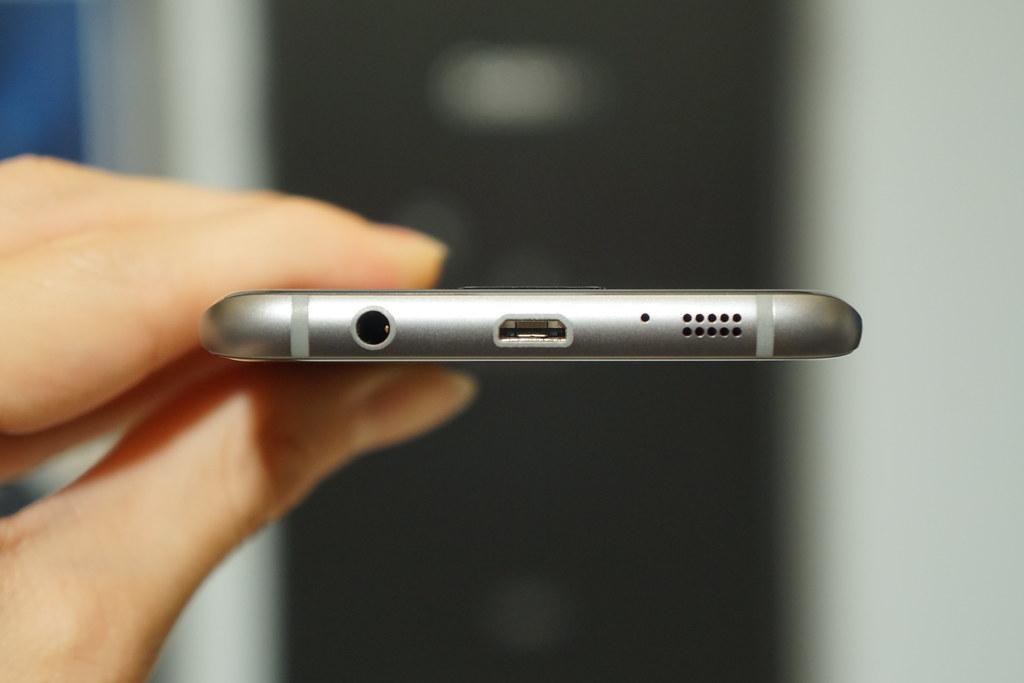 国内100台限定、バットマンモデル「Galaxy S7 edge Injustice Edition」フォトレビュー