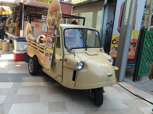 2015-05-01 Food truck BKK (1)