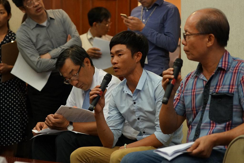 來自越南的漁民李光東陳述家鄉的污染事件。(攝影:王顥中)