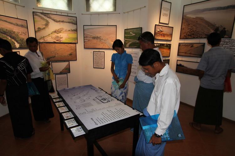 以藝文展覽形式作為環境運動的策略手段,讓Zaw藉此低調地與其他還運人士、學者、藝術家及市民們交流。圖片來源:Goldman Environmental Prize