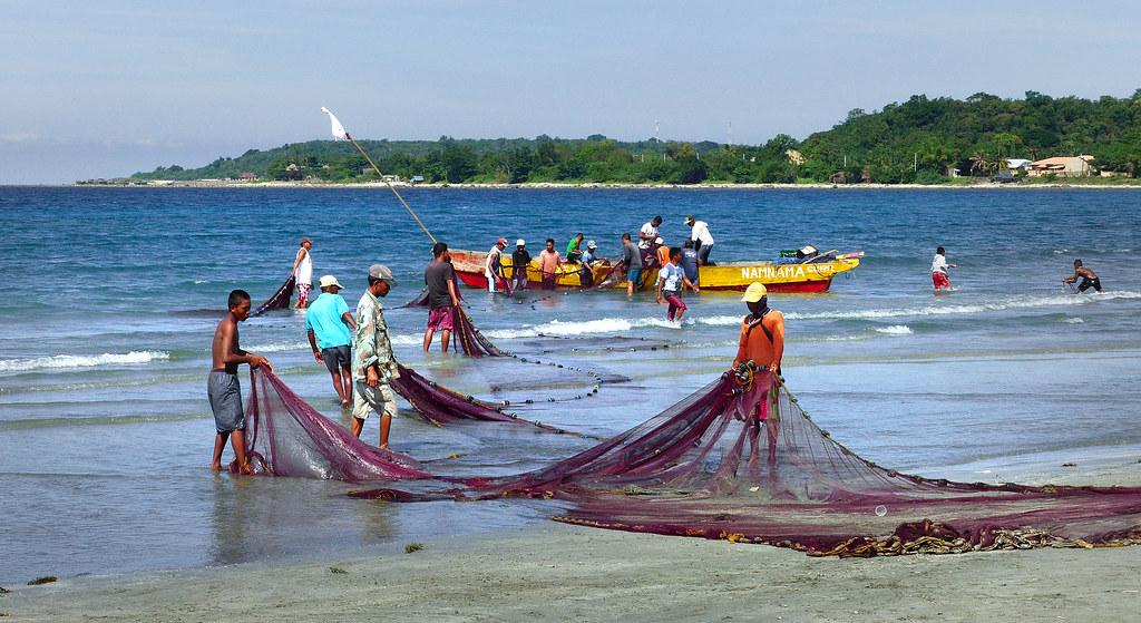 Fishermen Philippines Marine Fishing In The Philippines