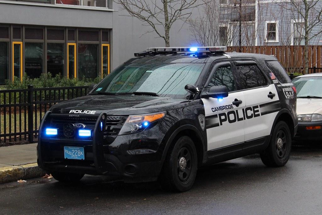 Cambridge Police Ford Explorer In Cambridge