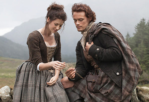 Sam Heughan (Jamie Fraser) & Caitriona Balfe (Claire Randall)