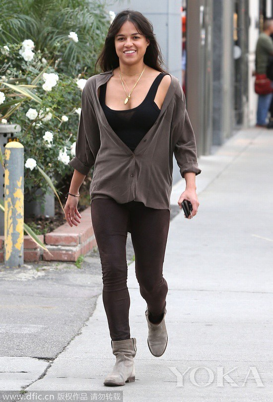 Local time on January 29, 2015, California, Michelle Rodriguez appeared United States Street