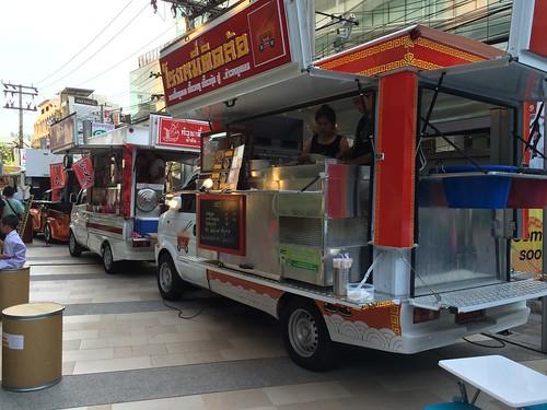 2015-05-01 Food truck BKK (23)