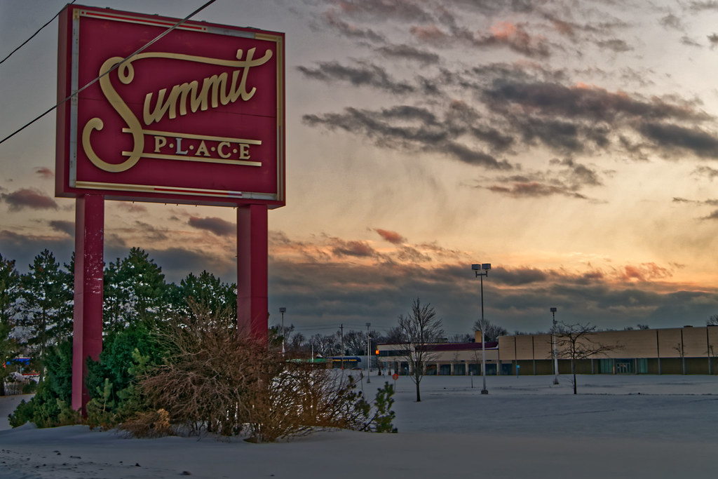 Summit Place Mall The Main Sign For The Front Of The