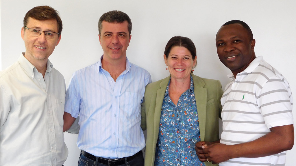 Photo of Dr Hugo Santiago Sanchez (left) with Dr Émerson de Pietri (middle left), Dr Lívia de Araujo Donnini Rodrigues (middle right) and Dr Harry Kuchah Kuchah (right)