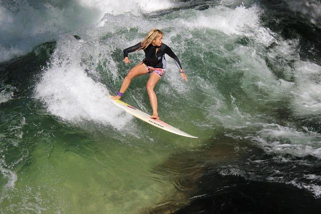 Surfen auf der Eisbachwelle