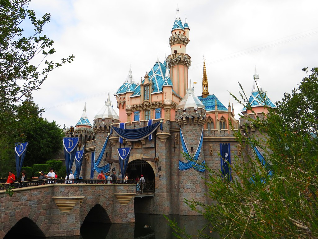 sleeping beauty castle  fantasyland  disneyland  anaheim   u2026