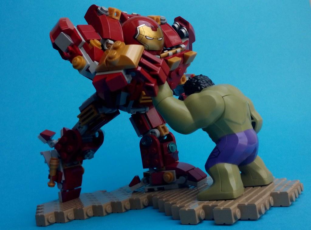 LEGO Avengers: Age Of Ultron - Hulk Vs. Hulkbuster | Flickr