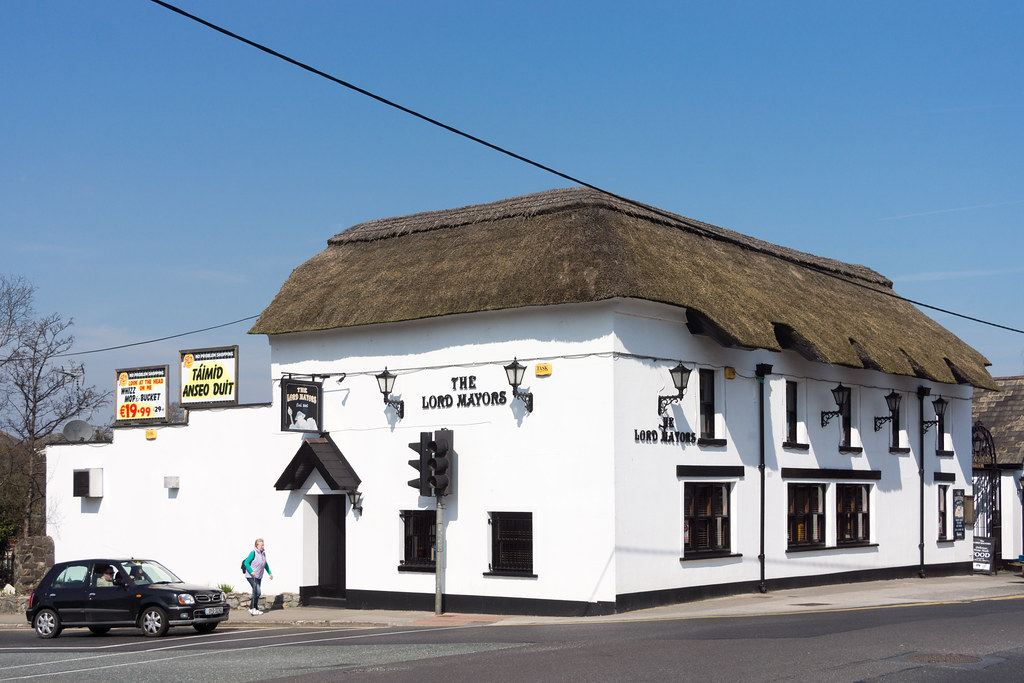 THE LORD MAYORS PUB PHOTOGRAPHED IN 2015 002