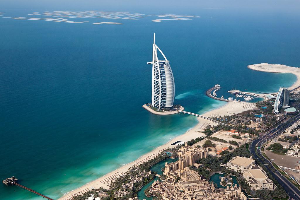 Dubai, Travel