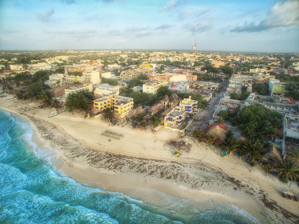 A few shots of playa del carmen this morning..20kt winds..edited and uploaded from the iPad