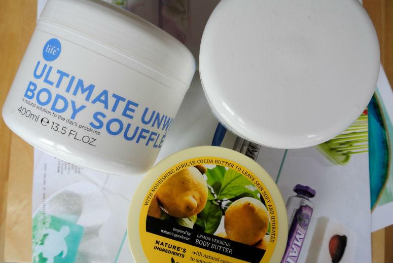 body moisturiser 775