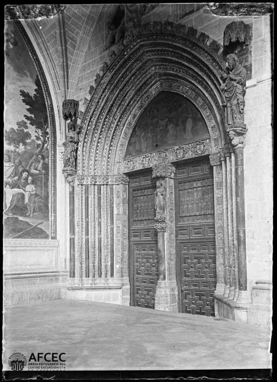 Puerta de Santa Catalina de la Catedral de Toledo a comienzos del siglo XX. Autor Desconocido   © Centre Excursionista de Catalunya