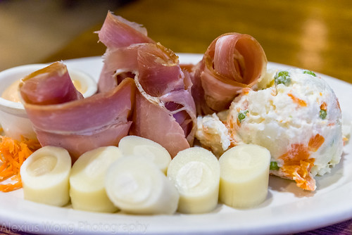 Prosciutto and Hearts of Palm