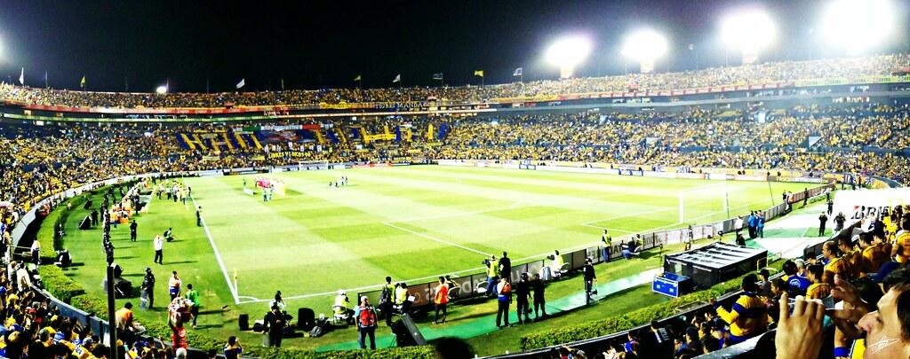 Estadio universitario uanl photo by oswaldo ord ez for Puerta 9 estadio universitario