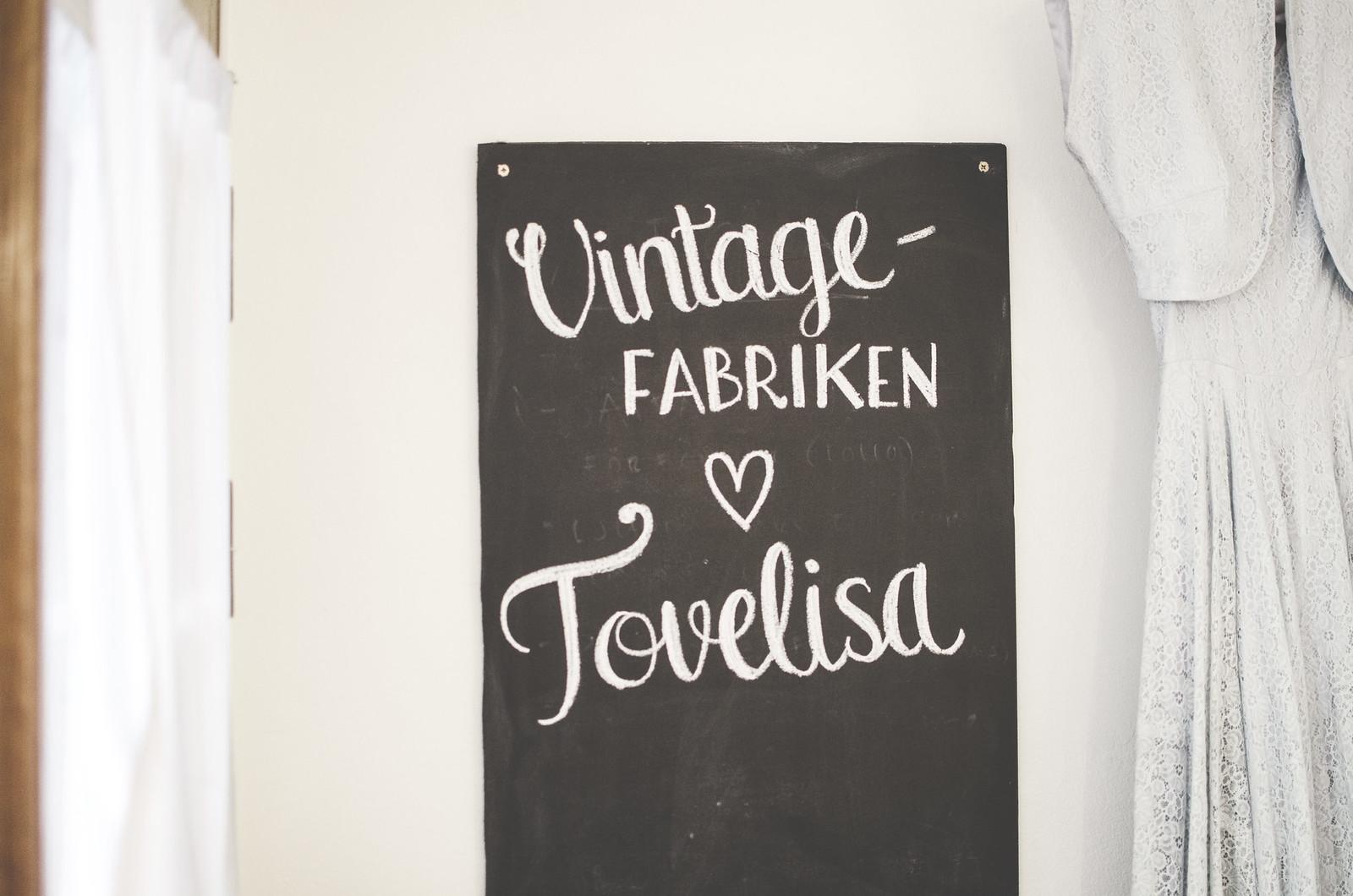 Vintagefabriken fyller två år och tovelisa släpper målarbok