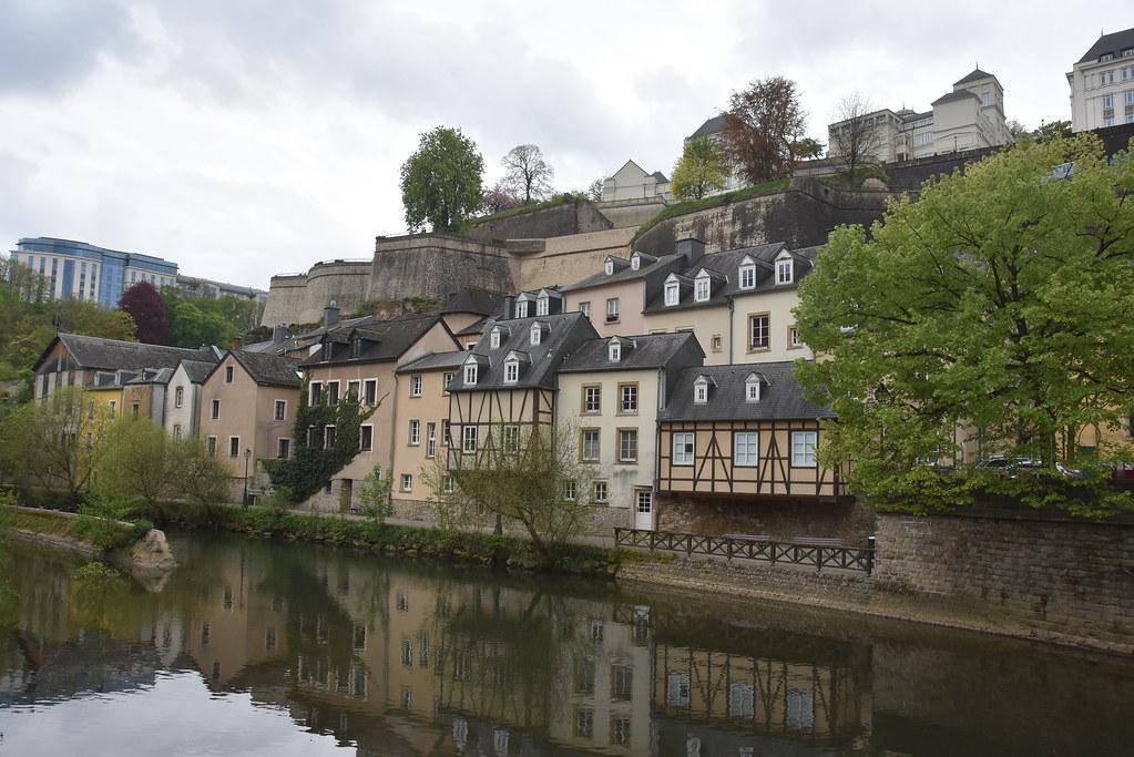 Luxembourg ville au bord de l 39 alzette 3 antoine 49 flickr for Badanstalt piscine luxembourg