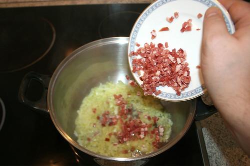 24 - Speckwürfel hinzufügen / Add bacon