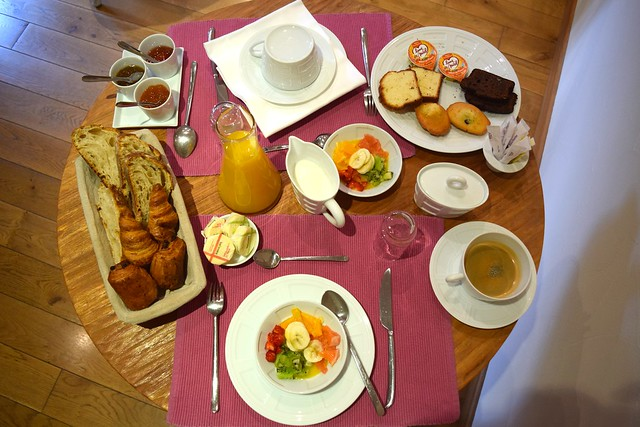 Breakfast at Hostellerie de L'Imaginaire| www.rachelphipps.com @rachelphipps