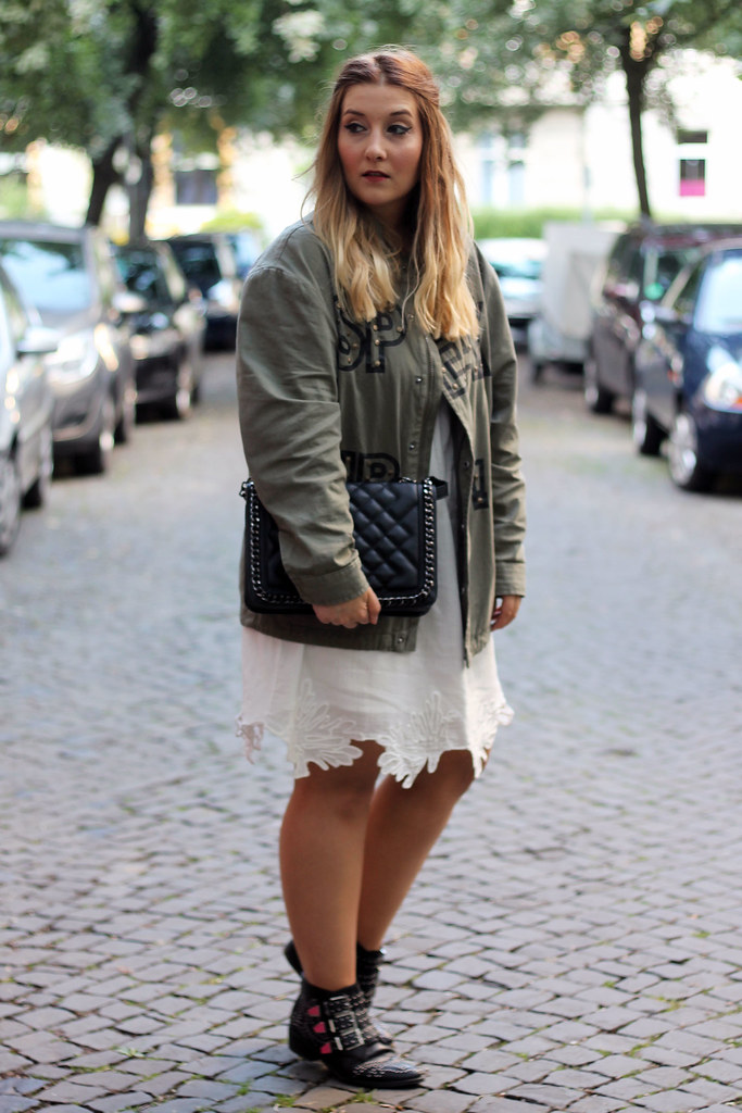 outfit-look-style-modeblog-fashionblog-tasche-jacke-zara-print-spitzenkleid-sommer17