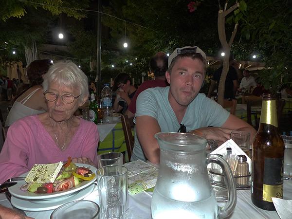 dîner sous les platanes
