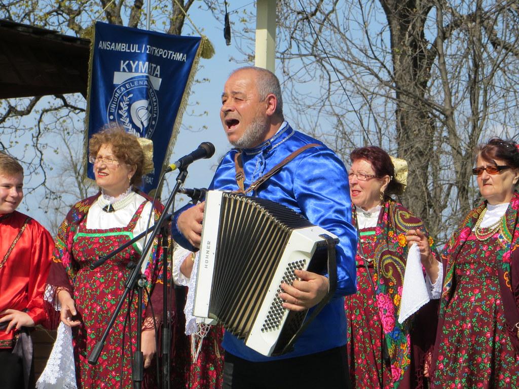 2015-040552K   Bucharest, Romania-Traditional Romanian ...