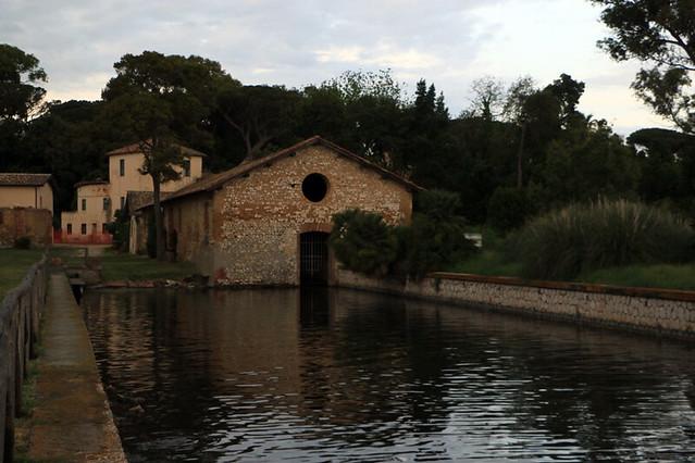 Il borgo del lago di Fogliano