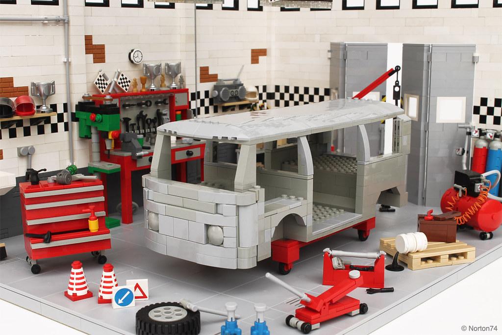 Sandblasted vw t2 bodywork in the garage this is for Volkswagen meaux garage