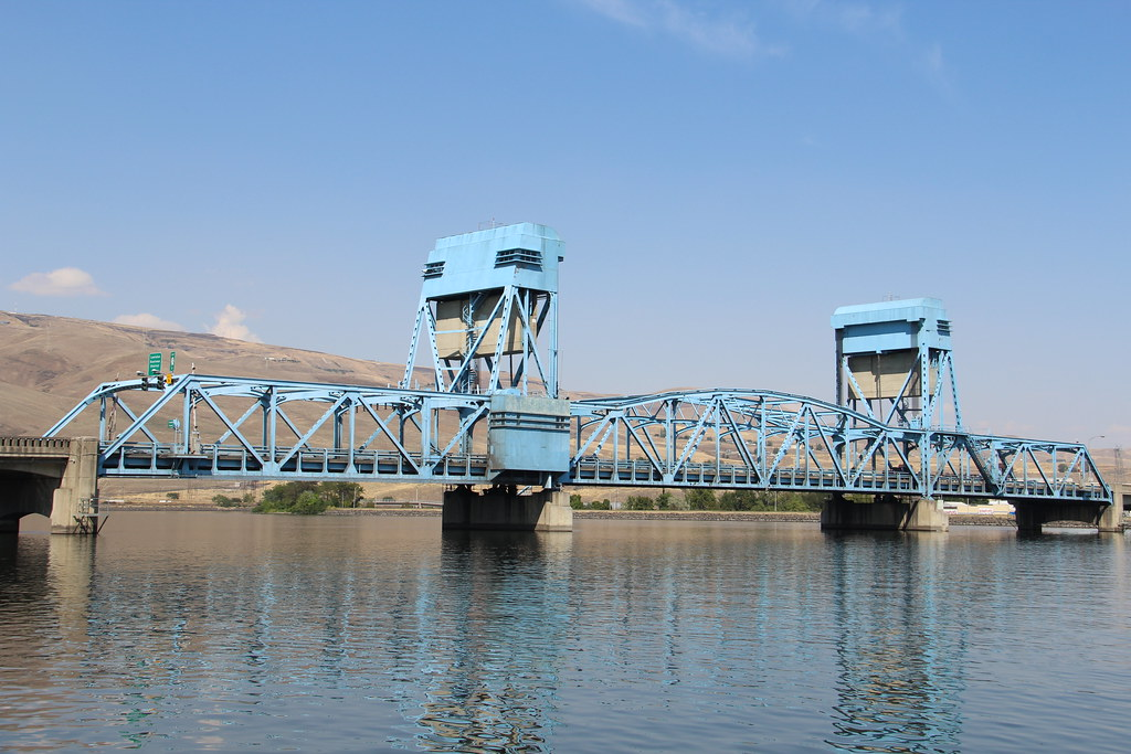 snake river bridge  clarkston  washington