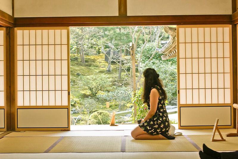 Girl in black dress joy the store floral blossom laila geisha blog tenryuji kyoto shrine indoor temple wooden wall ceiling tapeparade bamboo mat floor wooden screen