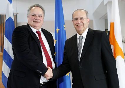Συνάντηση του Υπουργού Εξωτερικών κ. Ιωάννη Κασουλίδη με τον Υπουργό Εξωτερικών της Ελλάδας κ. Νίκο Κοτζιά