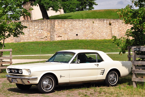 Sommer 2016 - Oldtimer-Fahrt nach Lorsch - Ford Mustang 1966 - Foto: Brigitte Stolle