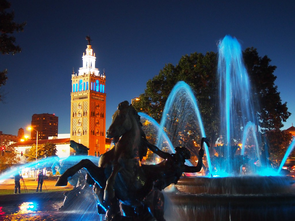 JC Nichols Fountain on the Plaza, Kansas City | OLYMPUS ...