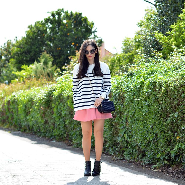 zara_ootd_outfot_navy_stripes_shorts_botas_como_combinar_05