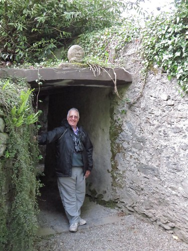 1004 Yours Truly at the Tunnel
