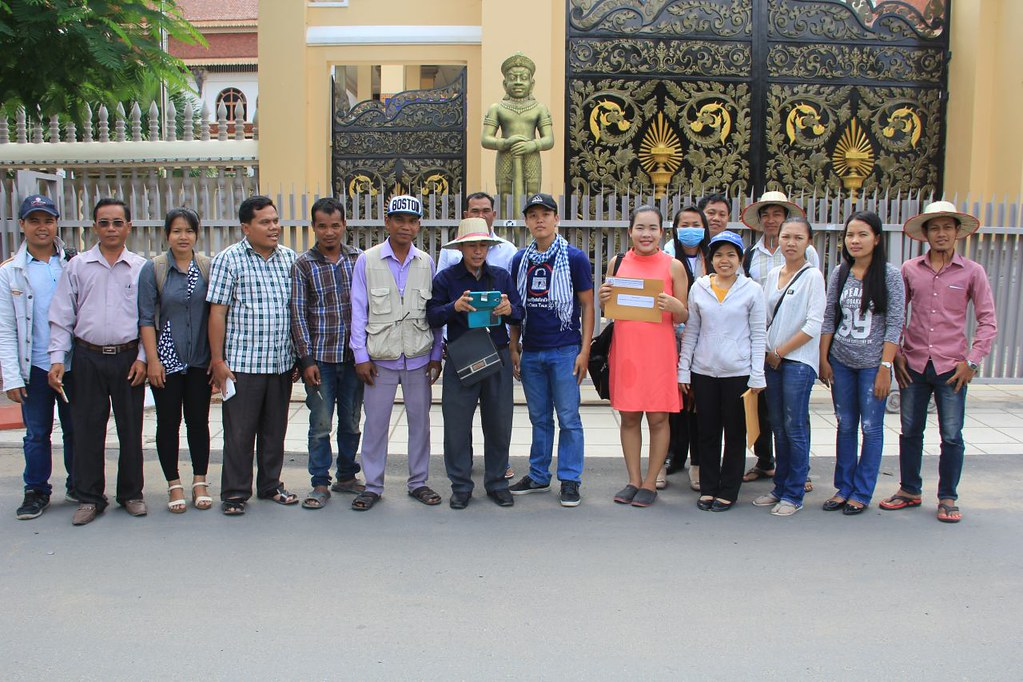 2016-6-16 Cambodia: CDWN & IDEA submitting a petition to the Ministry of Labour and National Assembly
