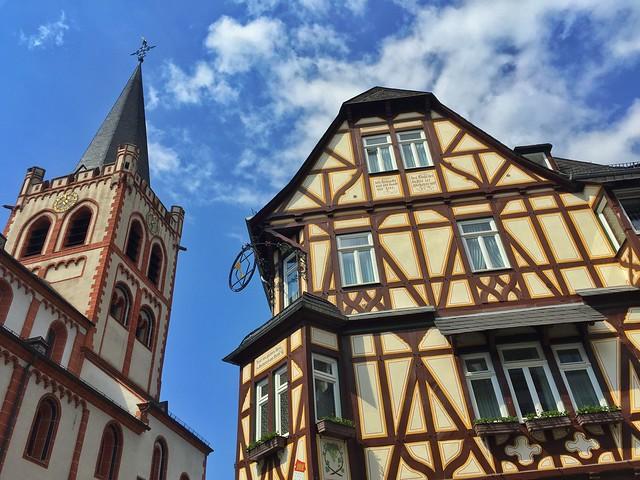 Marktplatz en Bacharach (Alemania)