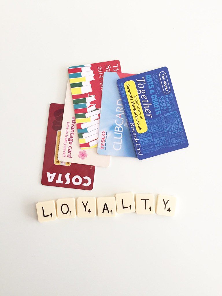 6 Customer Experience Practices Separate Loyalty Leaders from Laggards
