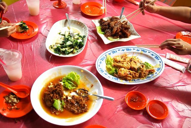 Keng Eng Kee Seafood, 124 Bukit Merah Lane 1, Singapore