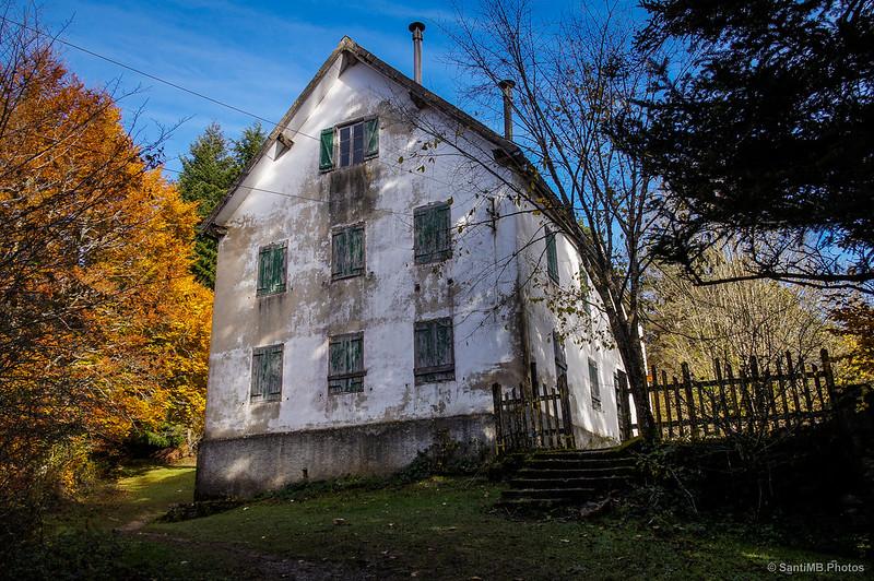 La vieja casa forestal en Irabia, Irati.