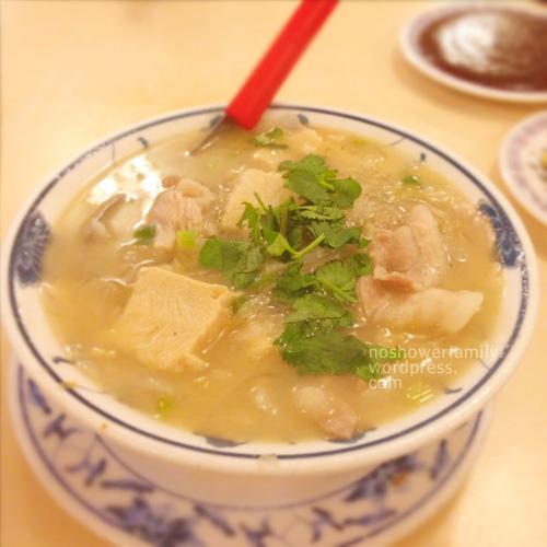 酸菜白肉湯