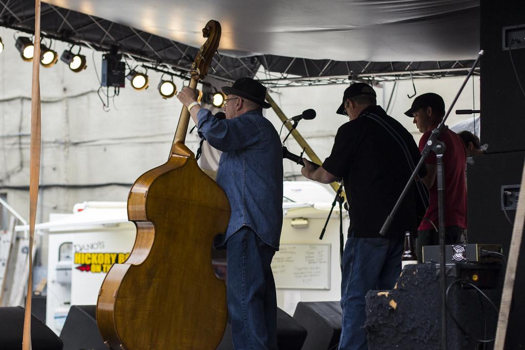 The McGovern Stringband at Duffy's Tavern | May 16, 2015